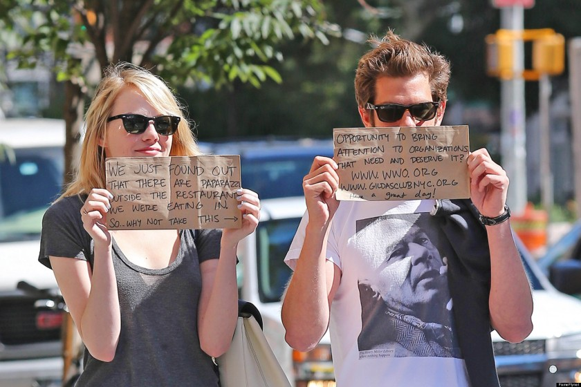 Celebrities tell us over and over again how much they wish the paparazzi would leave them the hell alone sometimes. I think that is why I love the simple way this super-adorable-squeeze-a-puppy-cuz-aw celebrity couple, Andrew Garfield and Emma Stone, turn that everyday crappy thing they experience into an opportunity to spread some goodness.  Man, they're such a cool couple.