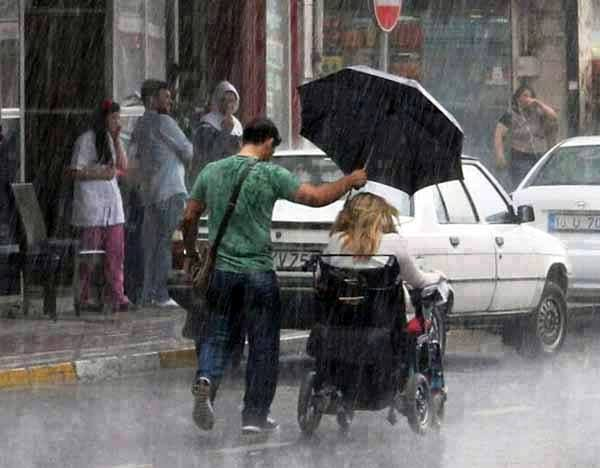 This beautiful random act of kindness was photographed.