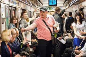 flowers for strangers on the underground - kindness