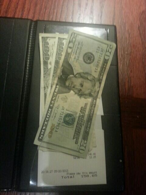 Tyler ‏@OSUfreak82 21 May  Told my last table I'm donating all my tips from today to the tornado victims. And this is what they left. #Blessed