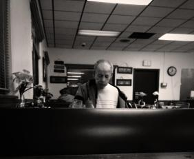 girl buys an old man dinner. random act of kindness