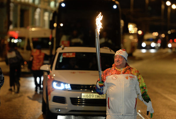 Shavarsh Karapetyan olympic torch