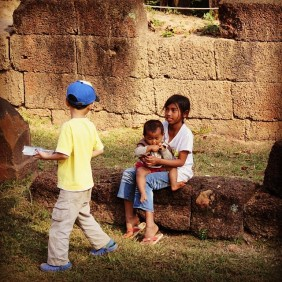 erickahunter1 month agoOne of the most touching moments I have ever witnessed: This little Japanese tourist boy giving cookies to the local Cambodian children.