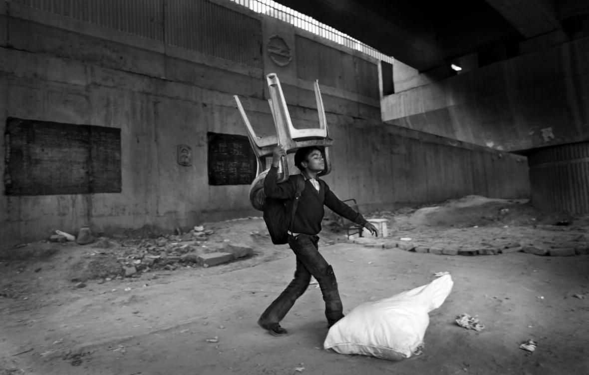 School under bridge in India6
