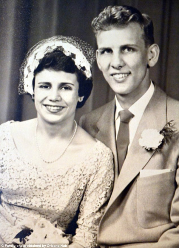 Couple Married for 60 Years Die Holding Hands