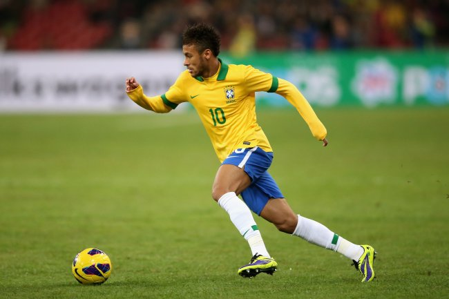 """Soccer Fan """"invades"""" the Pitch and Hugs Neymar – Kindness BlogNeymar Playing Soccer 2014"""