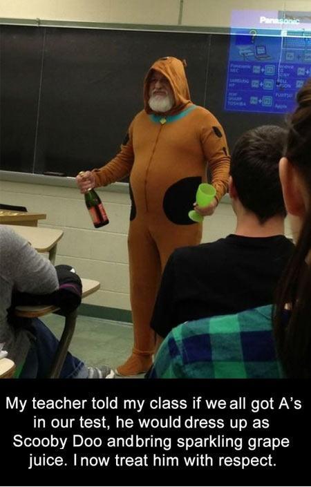 teacher dresses up as scooby doo