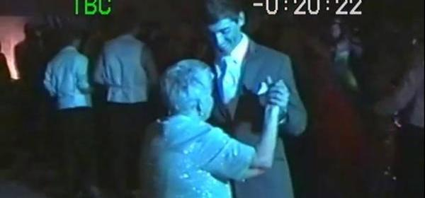 Ohio teen takes 89-year-old great-grandma to prom