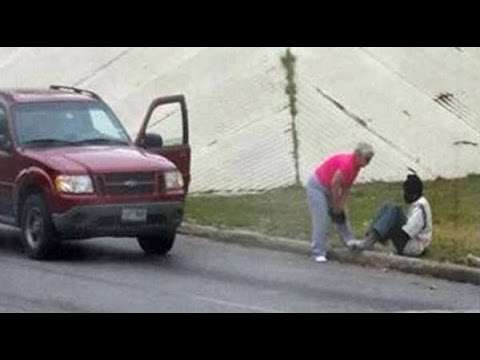Image of selfless woman, homeless man goes viral