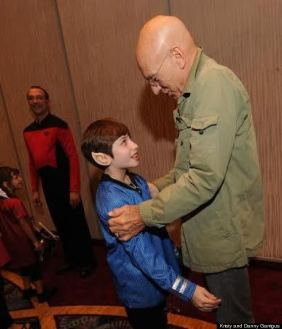 o-DAWN-MEETING-PATRICK-STEWART-570