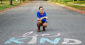 Woman Starts A Kindness Campaign By Leaving Nice Messages In Chalk On Sidewalks.