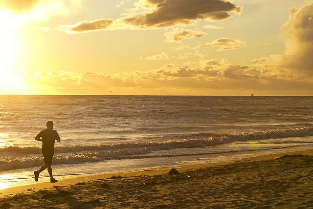 jogger-silhouette