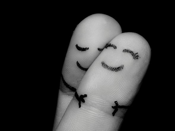 fingers-hug