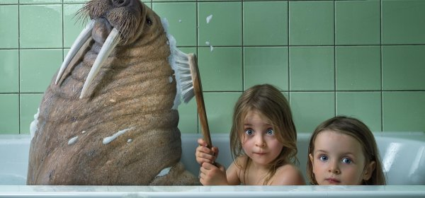 child in bath wallpaper