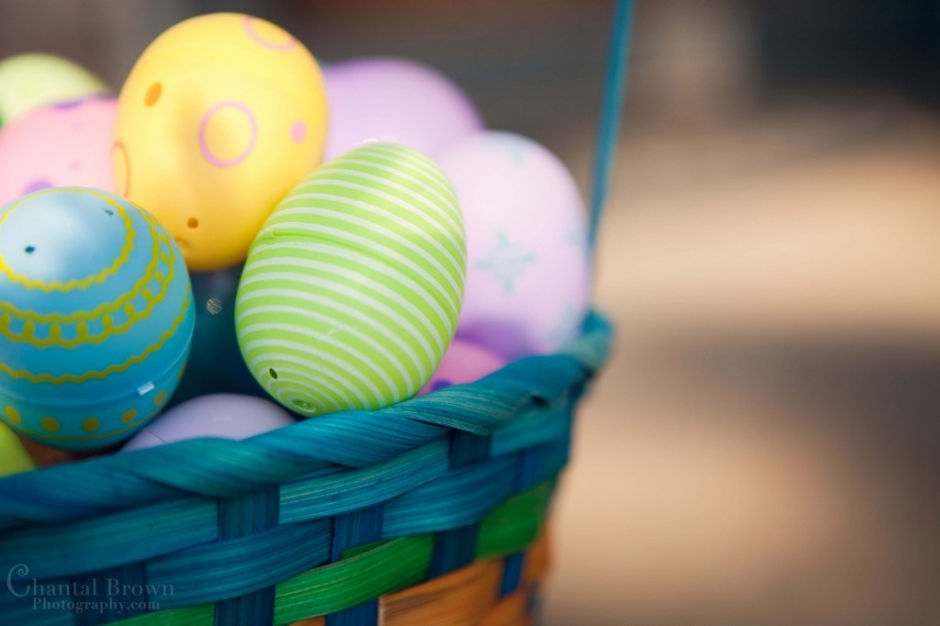 egss in an easter basket