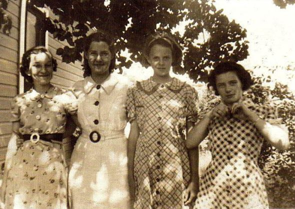 Flower Sack Dresses From the Flour Mills