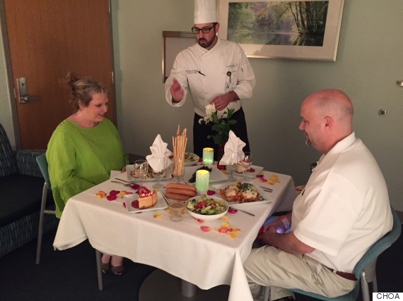 Hospital Surprises the Parents of a Child Patient With a Special Dinner