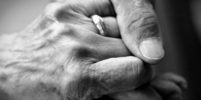 o-OLD-COUPLE-HOLDING-HANDS-facebook