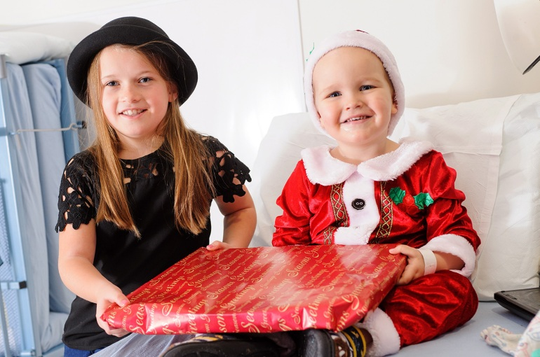 8-Year-old Girl Saved Her Pocket Money for a Year Just so she could buy Christmas Presents for Sick Children