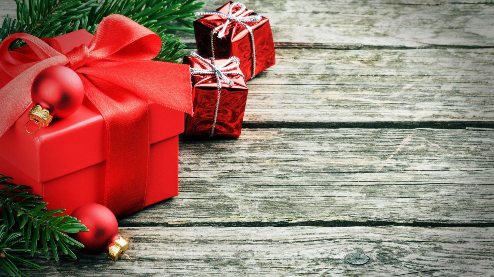"""christmas presents"" wallpaper"