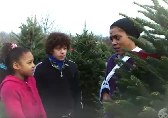 """A Single Mother Can't Afford Buying a Christmas Tree. What Would You Do? """