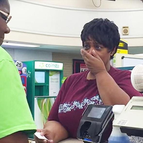 Man pays for stranger's groceries