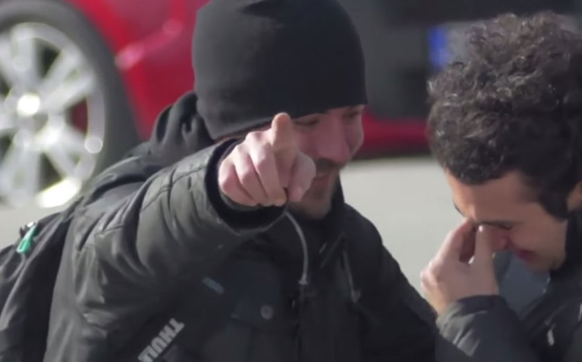 Entire Neighbourhood Secretly Learns Sign Language To Surprise Deaf Neighbor