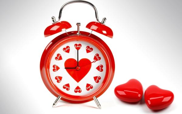 alarm_clock_heart_love_red_7747_3840x2400